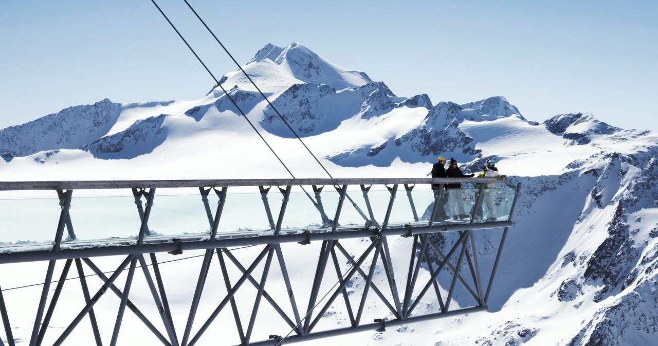 De brug over de tiefenbach gletscher